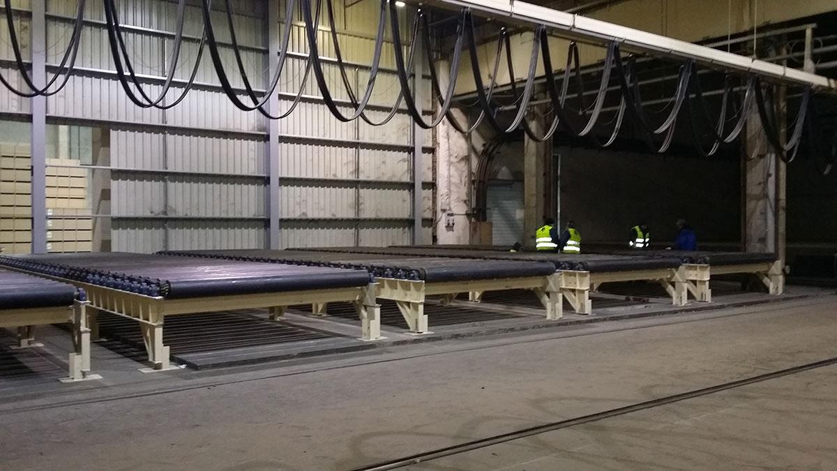 Amper Metal Kft. Görgőasztalok készítése és telepítésa a Falco Zrt-ben